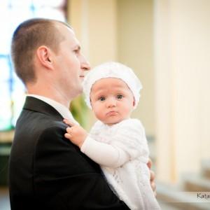 Oprócz nowożeńców na zdjęciach ślubnych uwiecznieni zostają także goście będący obecni na ślubie w Bielsku-Białej
