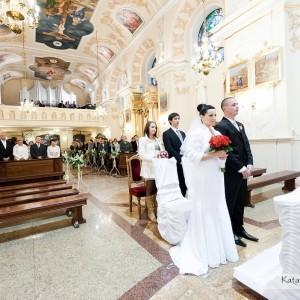 Urokliwe wnętrze kościoła gdzie brali ślub Ania i Maciek