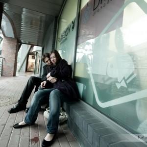 Zakochani mogą zrobić sobie sesję jeszcze przed ślubem i dołączyć zdjęcia do fotografii ślubnych z ceremonii w Bielsku