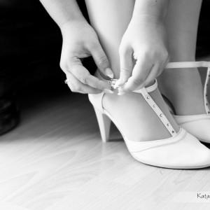 Przeważnie fotograf ślubny towarzyszy w przygotowaniach Pary Młodej do ślubu w Bielsku