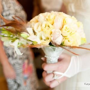 Część sesji ślubnej może odbyć się już w domu podczas przygotowań do ślubu w Bielsku