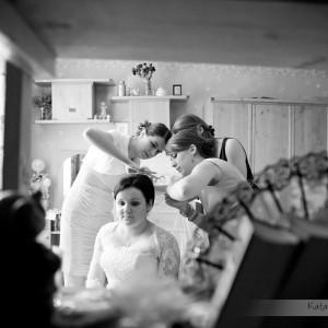 Oprócz sesji ślubnej w albumie ze zdjęciami warto mieć także te z przygotowań do ślubu w Bielsku