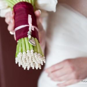 Detale znajdą się na zdjęciach z przygotowań, które dołączysz do tych z wesela w Bielsku czy sesji ślubnej