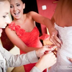 Zdjęcia z przygotowań do ślubu, który odbył się w Bielsku-Białej to część reportażu ślubnego będącego wieczną pamiątką