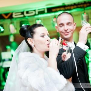 Fotografia ślubna z wszystkich najważniejszych momentów na przyjęciu weselnym w Bielsku to wspaniała pamiątka