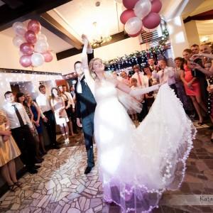 Pierwszy taniec to stały punkt programu wesel w Bielsku, który musi zostać uwieczniony na zdjęciach ze ślubu