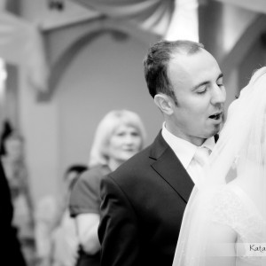 Oprócz sesji w plenerze ślubnym warto mieć także pamiątkową fotografię z pierwszego tańca na weselu w Bielsku