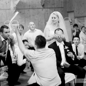 Oczepiny to stały punkt weselnego przyjęcia w Bielsku który znajdzie sie w albumie z reportażem ślubnym