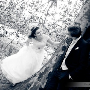 Sesja ślubna wykonana przez fotografa po ślubie Agaty i Michała z Bielska-Białej w romantycznej scenerii