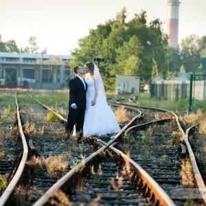 Na sesji ślubnej można fotografowi zasugerować różnego rodzaju pomysły by nasze zdjęcia z Bielska były wyjątkowe