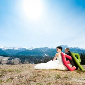 Zdjęcia ze ślubu oraz sesja plenerowa wykonana w parku w Bielsku to świetna pamiątka ze ślubu dla nowożeńców