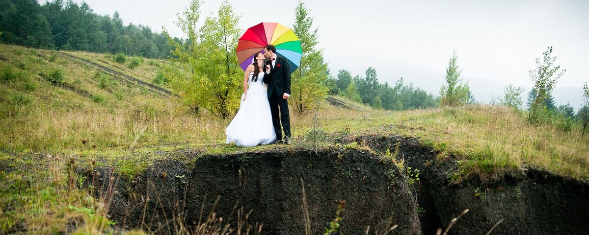 Reportaż oraz sesja ślubna to połączenie tworzące wspaniałą pamiątkę dla nowożeńców z Bielska-Białej