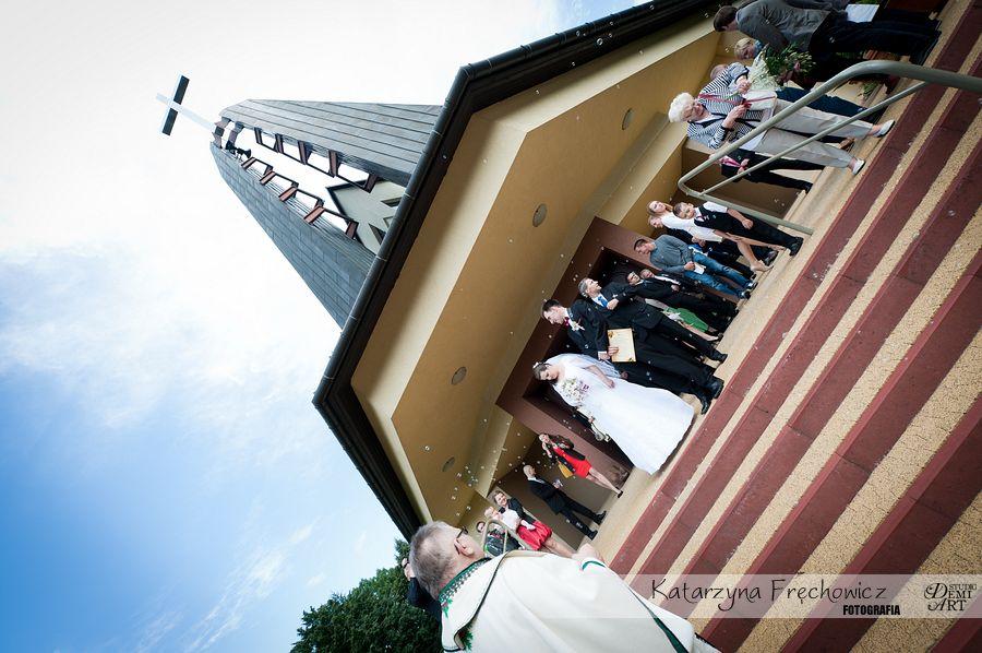 Fotograf na wesele Bielsko-Biała para młoda na schodach kościoła